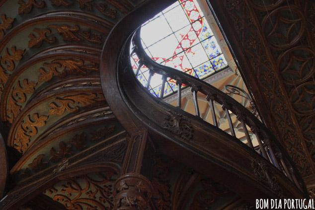 escalier-librairie-lello-porto