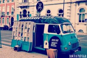 librairie-roulettes-rue-lisbonne-portugal