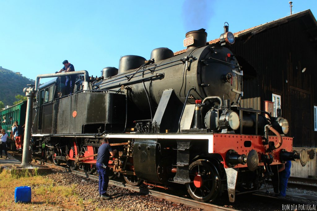 locomotive-train-historique-douro-unesco